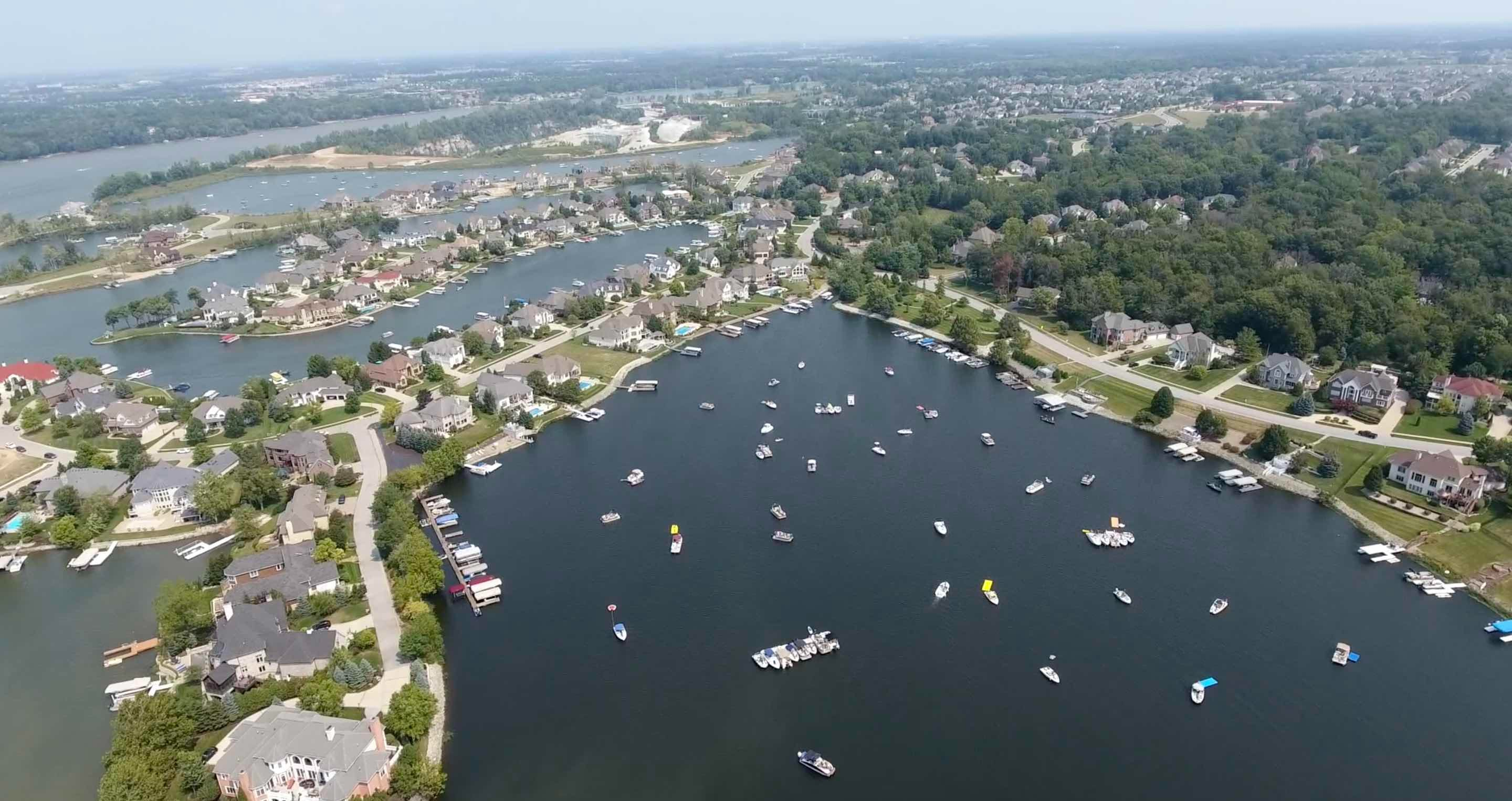 Geist Marina Background Photo
