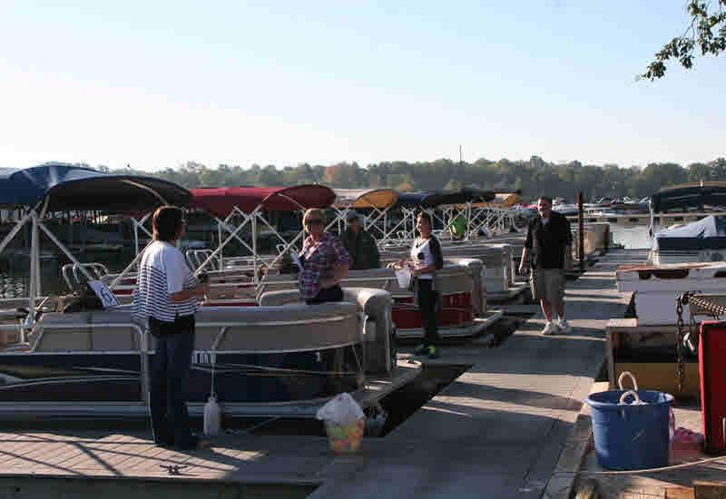 Pontoon Boat Rentals - Geist Marina