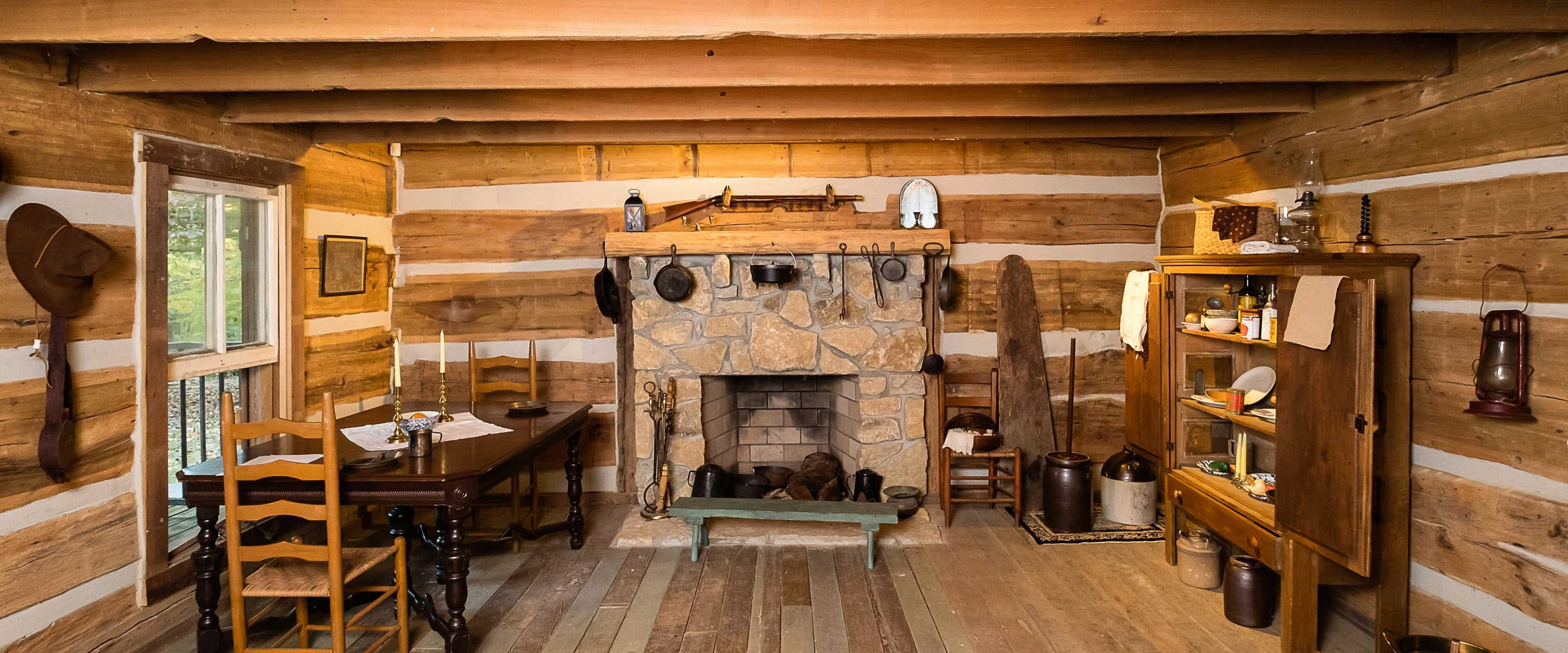 interior view of cabin just as it would have been pre-civil war